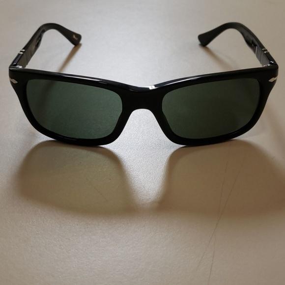 d898a3bee9 NWT Persol 3048 black 55mm sunglasses